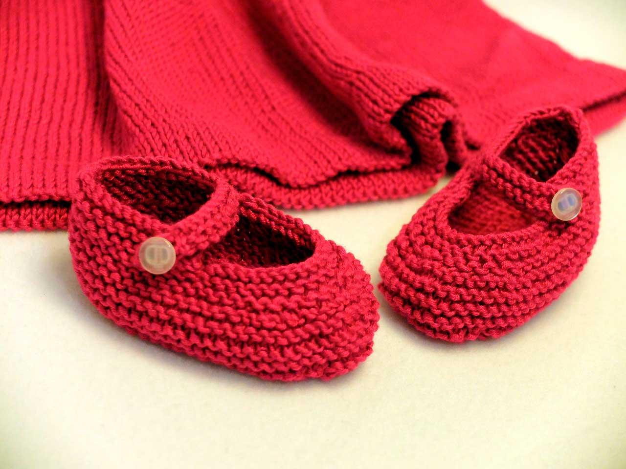 b16428820 La ropa de tu bebé en buenas manos ropa-niña-crochet