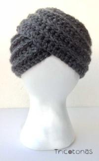 Gorro turbante de crochet gris. Un gorro tipo turbante de color gris oscuro ae507f10e16
