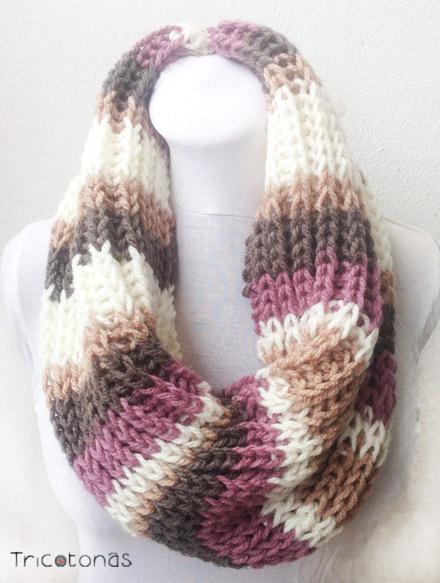 Bufanda cuello lana gruesa gris. Un cuello de lana gruesa realizado con dos  agujas. 3956ef92150