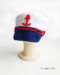 Gorra capitán bebé crochet. Un gorro de capitán de la marina para bebé  realizado a ganchillo. 47bccd37667